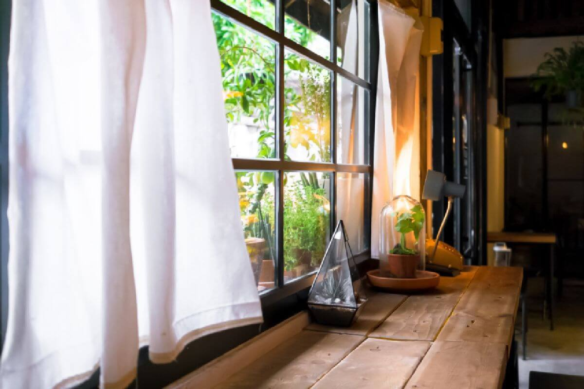 Replacement windows manufacturers leicester replacement for Window replacement companies